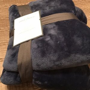 NEW Microplush twin blanket, navy blue